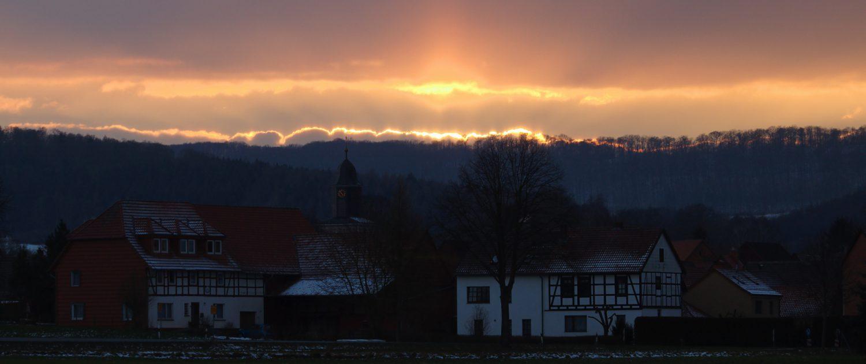 Hammenstedt Kirchturm Abendrot